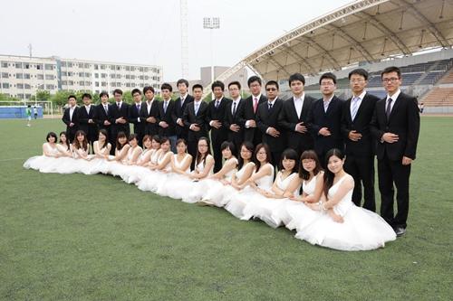 你们班的班级毕业照选择哪种风格 - 南京华舞服装 ...